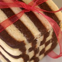 Black and White Striped Cookies | Bake or Break