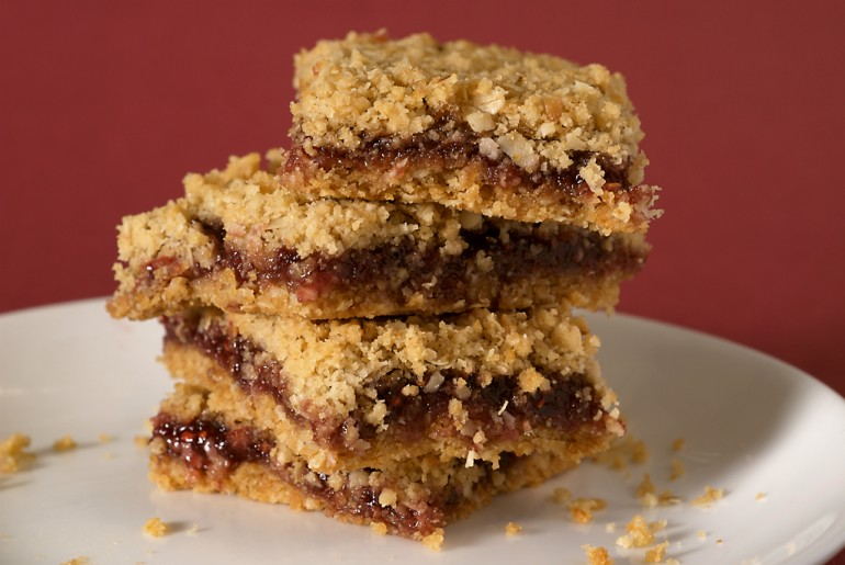 Oatmeal Raspberry Bars - Bake or Break