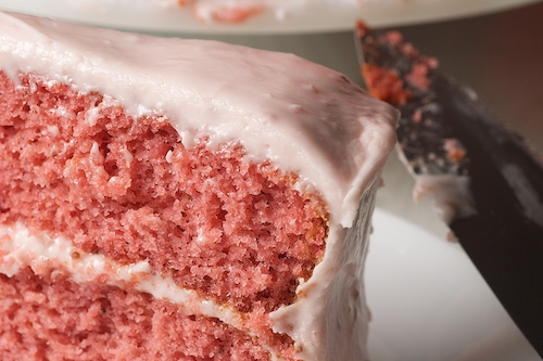 Strawberry Cake with Strawberry Cream Cheese Frosting | Bake or Break