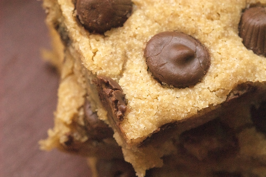 Peanut Butter Cup Blondies are a must for pea