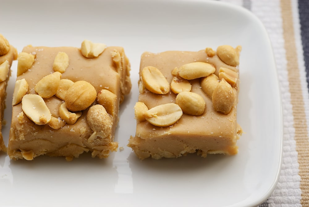 Five ingredients are all you need to make these Salted Nut Squares. A great no-bake sweet and salty treat!
