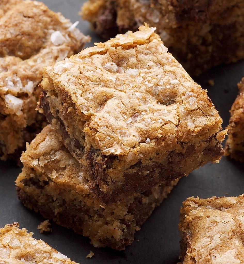 Fleur de Sel Chocolate Chip Blondies are a must for sweet and salty fans! - Bake or Break