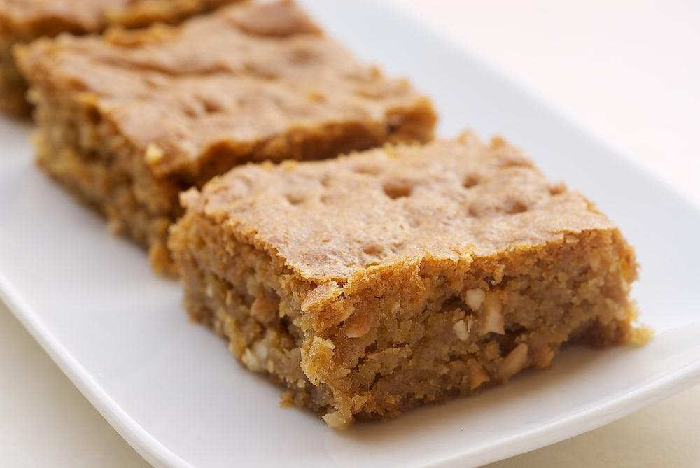 Brown Sugar Cashew Blondies | Bake or Break