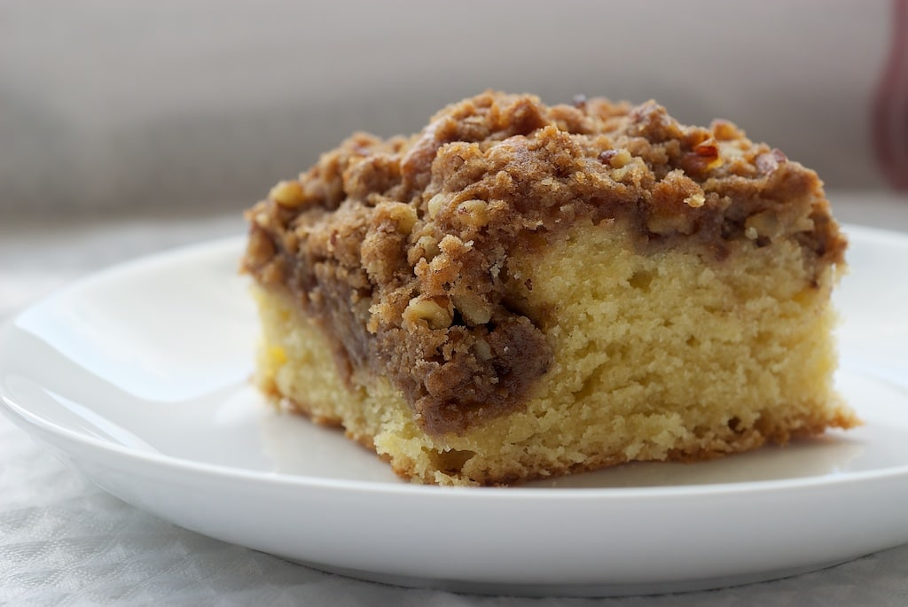 Buttermilk Apple Cinnamon Coffee Cake