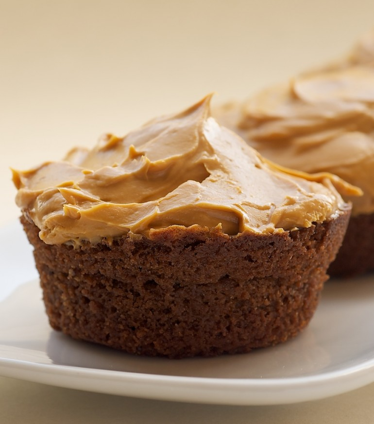 ... Chocolate Cupcakes with Dulce de Leche Frosting - Bake or Break