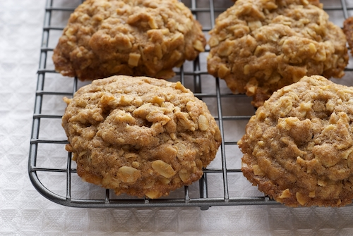 Toffee-Almond Oatmeal Cookies | Bake or Break