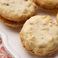 Almond-Apricot Sandwich Cookies | Bake or Break