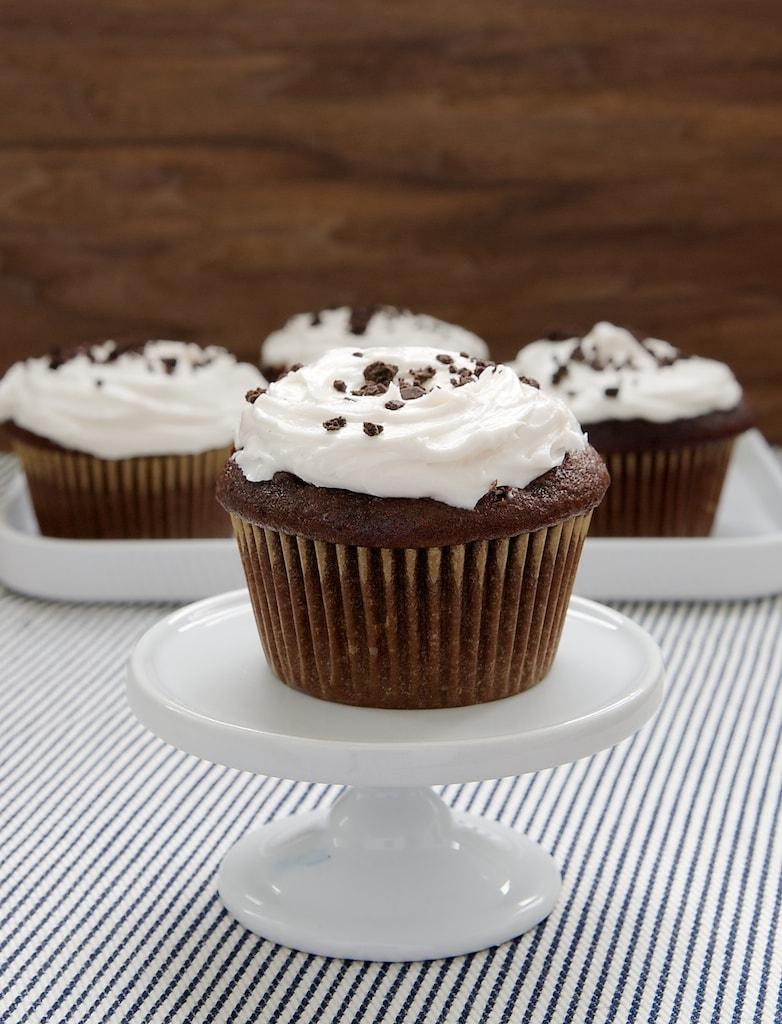 Cookies 'n' Creme Filled Cupcakes | Bake or Break