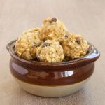 Peanut Butter Chocolate Chip Oat Bites