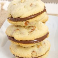Pretzel Cookies with Chocolate-Hazelnut Filling | Bake or Break