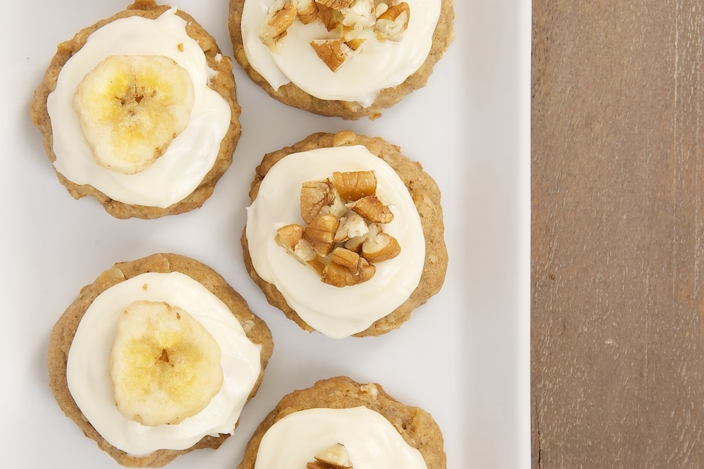 The popular cake gets the cookie treatment with Hummingbird Oatmeal Cookies. They're filled with oats, bananas, pineapple, cinnamon, and nuts, and topped with a cream cheese frosting.