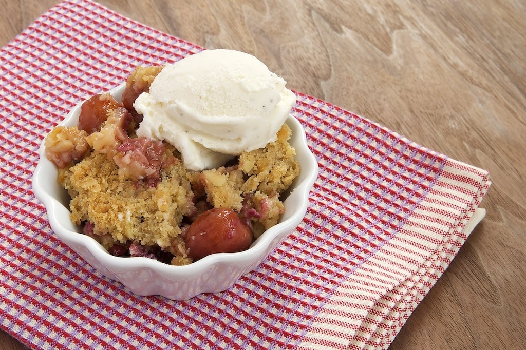 Cherry-Almond Crumble is a simple and delicious combination of fresh cherries and a sweet, nutty crumb topping. - Bake or Break