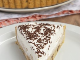 Butterscotch Pudding Pie with Chocolate Chip Cookie Crust