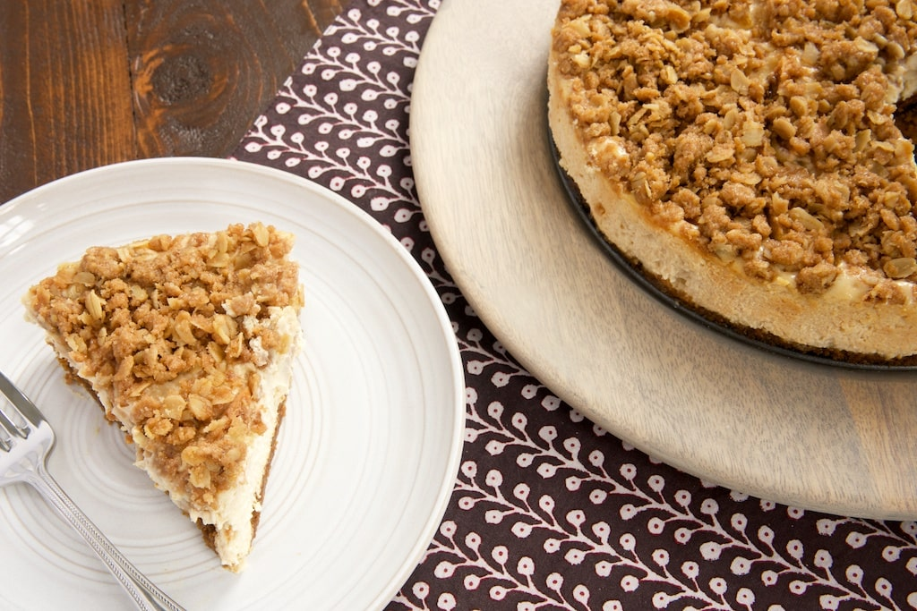 You don't have to choose between fruit crisp and cheesecake with this delicious Pear Crisp Cheesecake! - Bake or Break