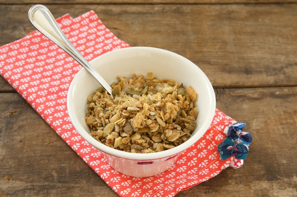 It's simple to make your own granola. This one is packed with oats, nuts, seeds, and more! - Bake or Break