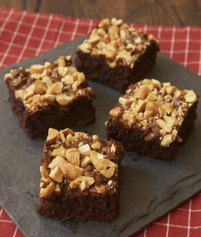 Add big flavor to your next batch of brownies with Dulce de Leche Cashew Brownies ! - Bake or Break