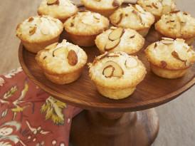 Mini Coconut Cakes