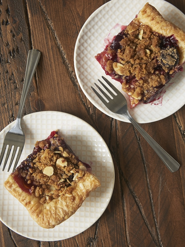 Sweet cherries and plums fill this delicious Cherry Plum Slab Pie. A great dessert for feeding a crowd! - Bake or Break