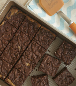 Dulce de Leche Cheesecake Brownies are extra fudgy brownies with a swirl of cheesecake filling flavored with dulce de leche. Absolutely fantastic! - Bake or Break