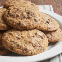 A blend of spices adds a delicious twist to traditional cookies in these Spiced Chocolate Chip Cookies! - Bake or Break