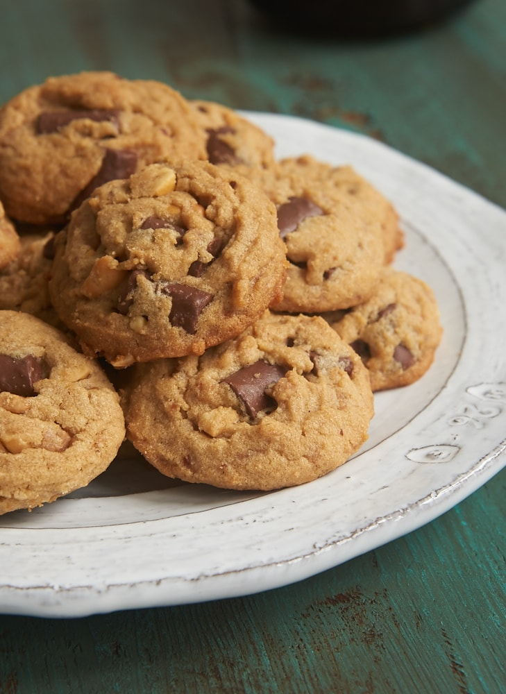 Peanut Butter Chocolate Chip Crunch Cookies take the classic peanut ...