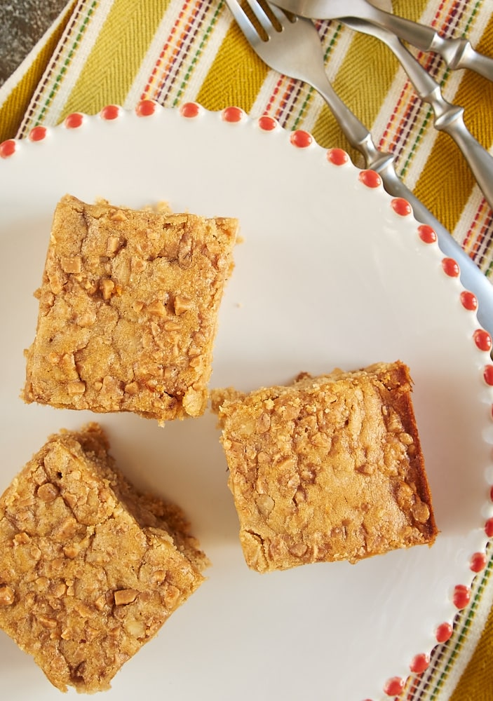 Peanut Butter Toffee Snack Cake is a simple, tasty, everyday cake packed with lots of flavor. A great sweet snack for any time of day! - Bake or Break