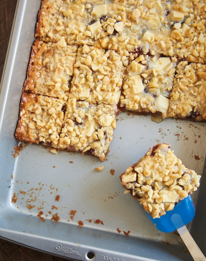 Add some fruity flavor to an old favorite with these sweet, delicious Strawberry Magic Bars! - Bake or Break