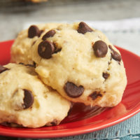 Add a little chocolate to your breakfast routine with these quick, easy, and delicious Chocolate Chip Drop Biscuits! - Bake or Break