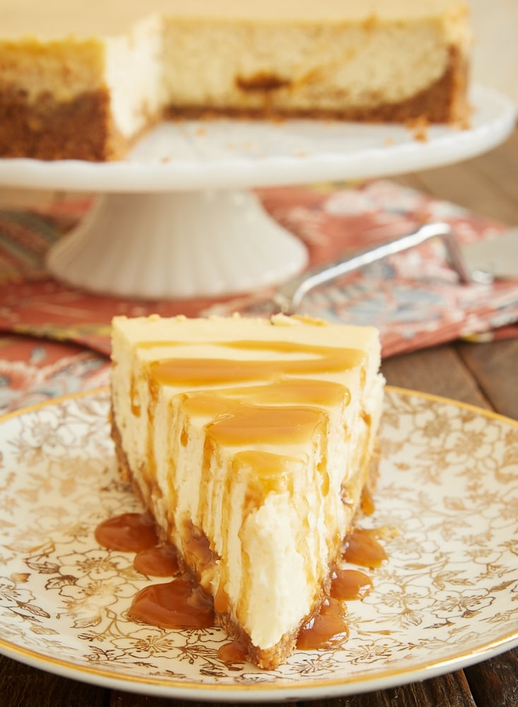 You will love the fantastic flavor of this Bourbon Caramel Swirl Cheesecake. The combination of rich caramel and buttery, spicy bourbon are a perfect pair! - Bake or Break