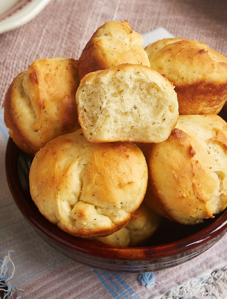 Looking for a quick and easy yeast roll recipe? You must try these Cracked Pepper Sour Cream Rolls! - Bake or Break