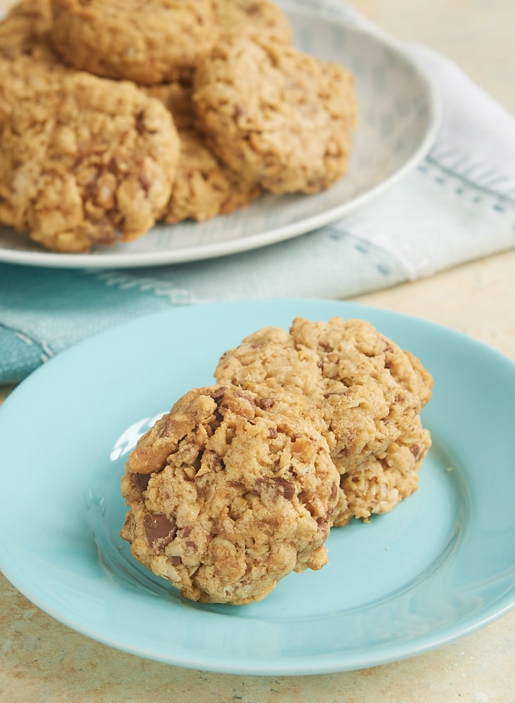 These sweet, chewy, nutty Peanut Butter Toffee Oatmeal Cookies are a big-time favorite in my house. The flavor and the texture are just perfect! - Bake or Break