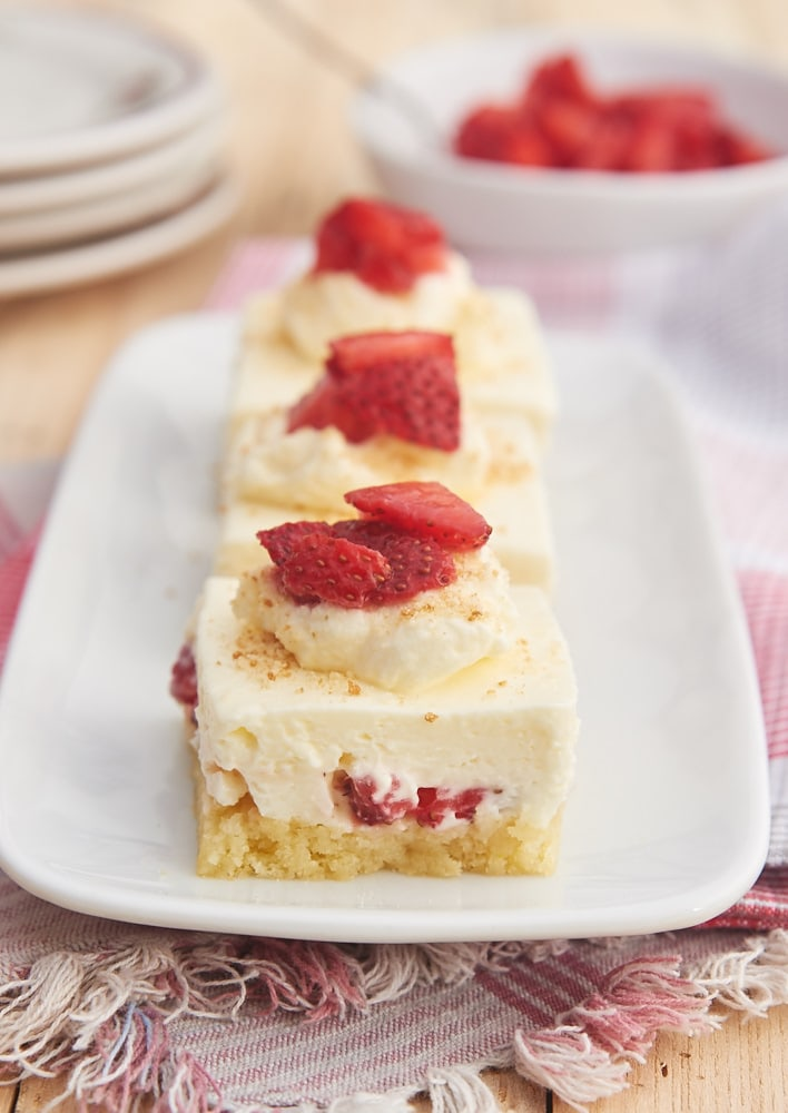 Have your shortcake and your cheesecake, too, with these phenomenal Strawberry Shortcake Cheesecake Bars! - Bake or Break