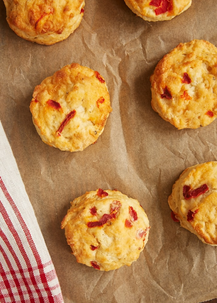 The cheesy, mildly spicy flavor of Pimiento Cheese Biscuits makes them a great companion for so many meals. Love these! - Bake or Break